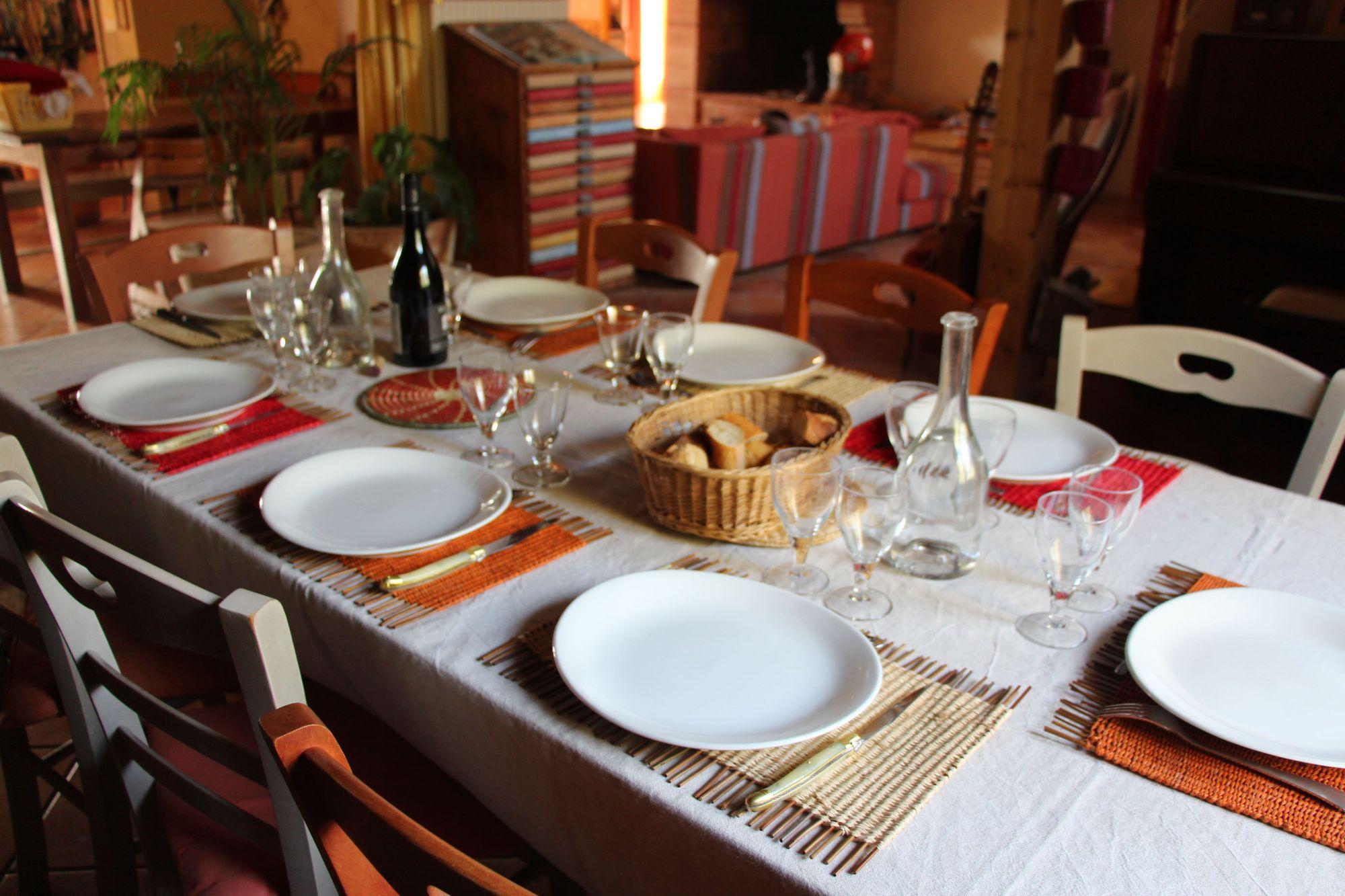 Table à l'intérieur