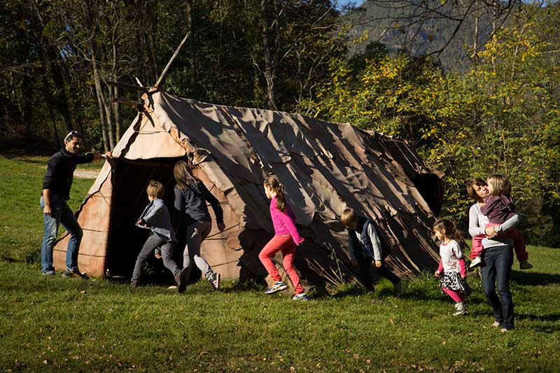 Campement du Parc de la Préhistoire