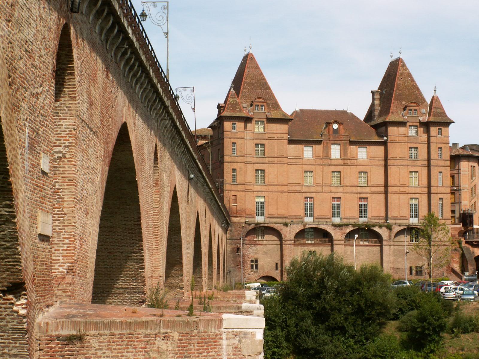 Pont et Musée Ingres à Montauban