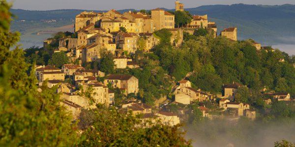 Vue sur Cordes - Photo B. Piquart - Office du Tourisme