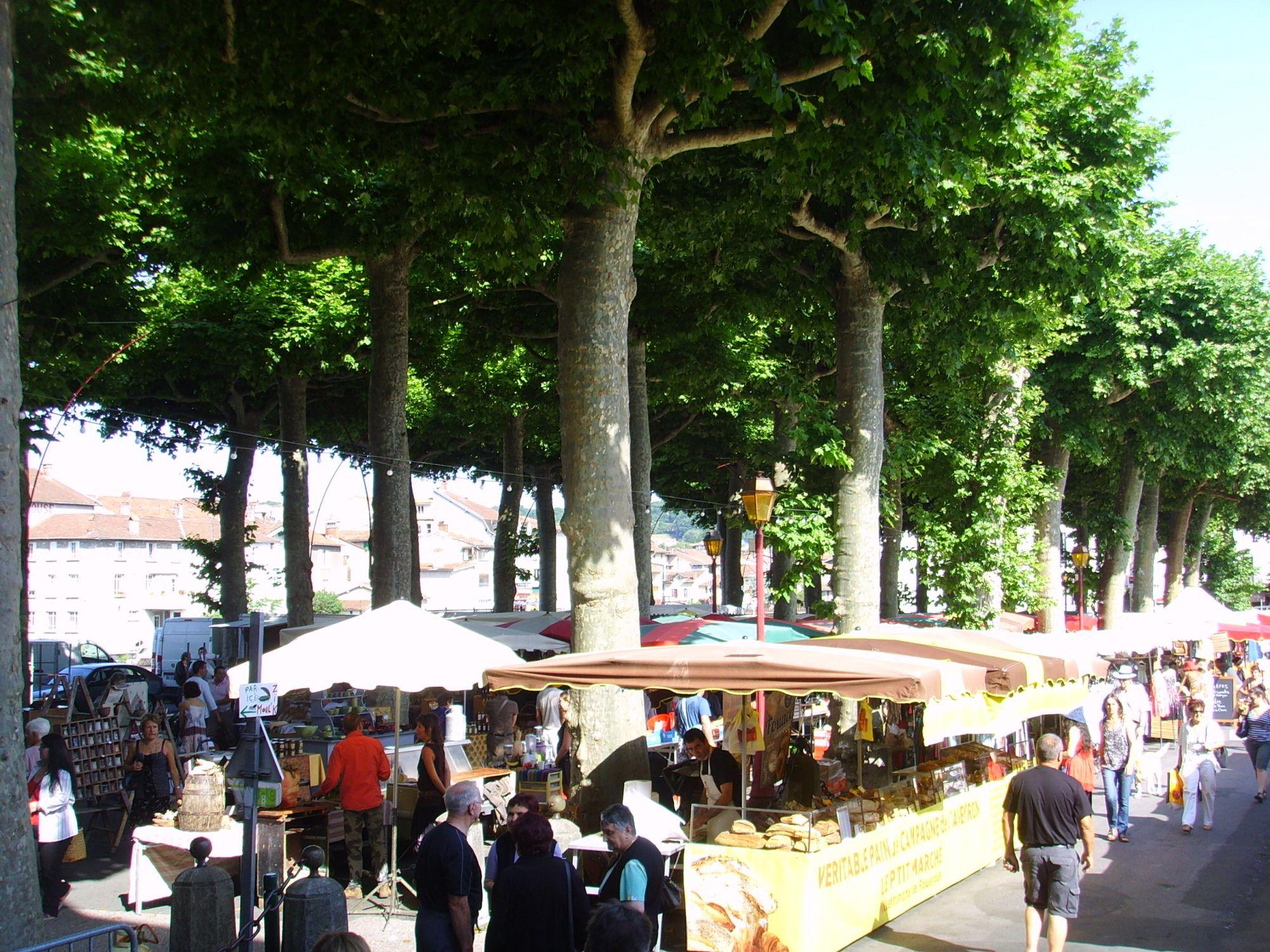 Marché de Saint-Girons le samedi matin