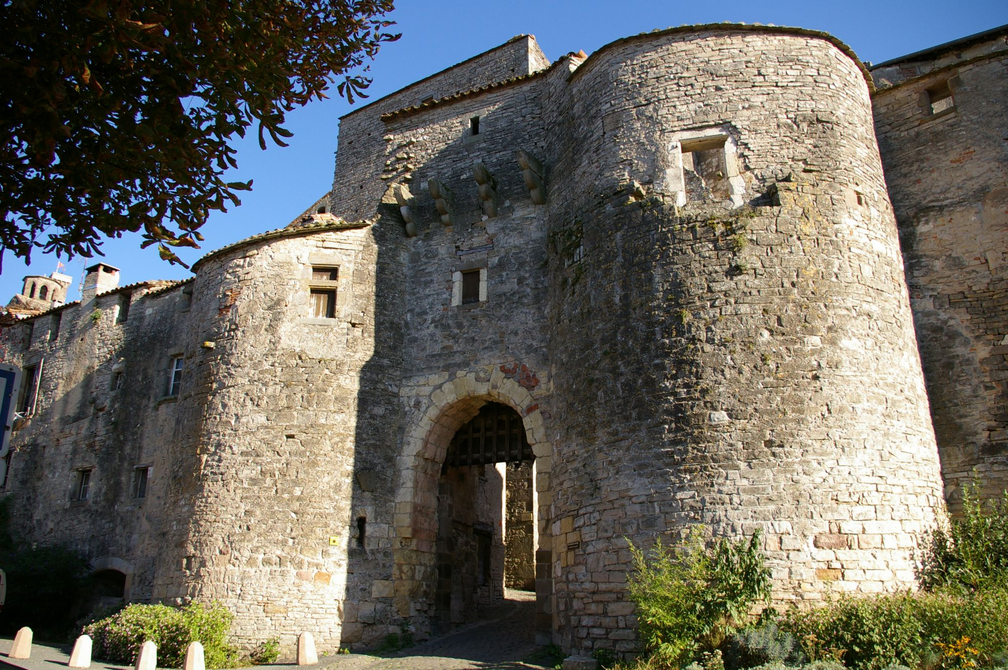 Porte Jane de Cordes - Photo B. Piquart - Office du Tourisme