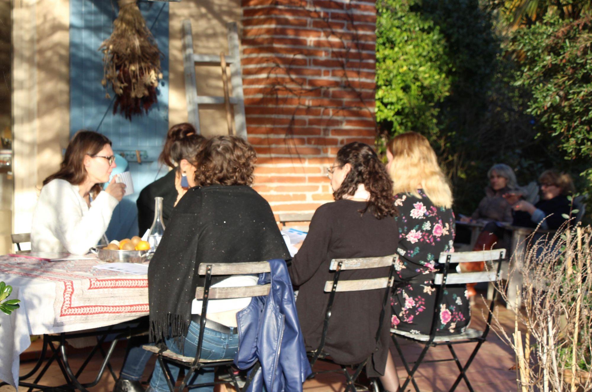 Travaux de groupe en terrasse