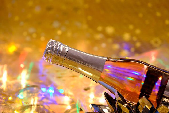 champagne-5841288__480